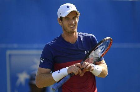 Britain Tennis - Aegon Championships - Queen's Club, London - June 20, 2017 Great Britain's Andy Murray looks dejected during his first round match against Australia's Jordan Thompson Action Images via Reuters / Tony O'Brien Livepic