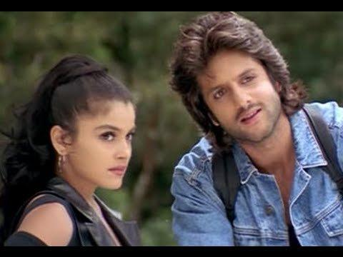 He had entered Bollywood with the 1999 release <em>Prem Aggan,</em> alongside another new comer Meghna Kothari. The romantic flick written and directed by Fezon Khan was centered around Fardeen as the sole purpose of making the movie by daddy dear was to introduce his young and handsome son to the industry. <em>Prem Aggan</em> bombed at the box office and critics were ruthless in tearing it apart. The debutant, however, secured the Filmfare Award for 'Best Male Debut'.