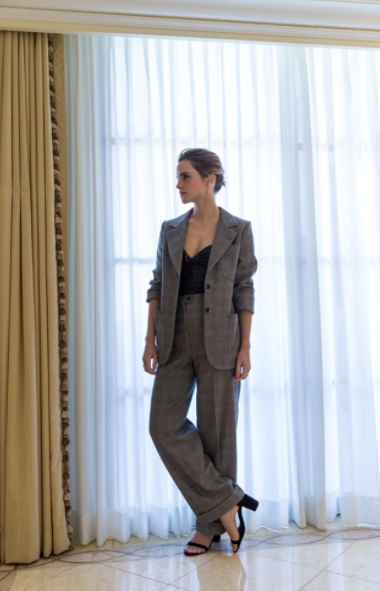 <p>For her final day of promoting 'Beauty and the Beast' in Los Angeles, Emma wore a vintage Yves Saint Laurent power suit. <em>[Photo: Instagram/The Press Tour]</em> </p>