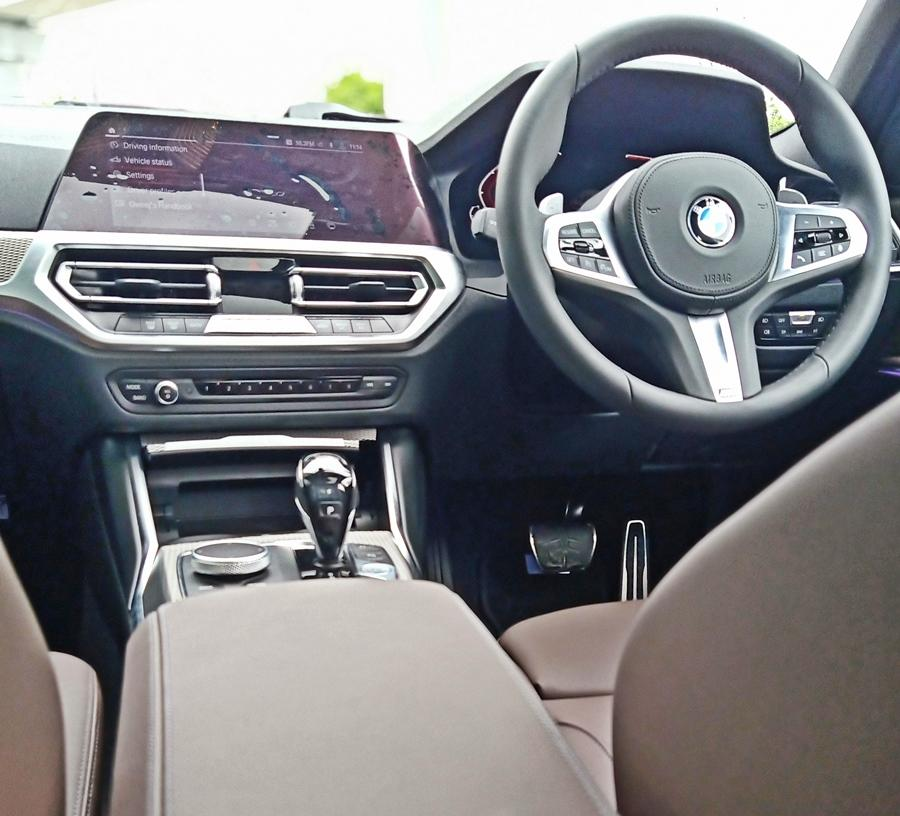 More than the exterior, the interior is a bigger leap over the older model. Gone is the slightly dated cabin design. It is replaced by the modern look and also gets the latest BMW tech featured in more expensive BMWs.