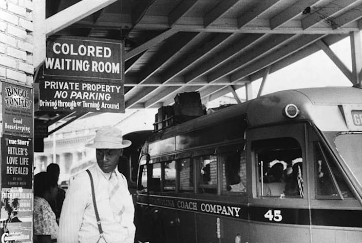A bus station in Durham, N.C., May 1940. (Jack Delano / Library of Congress)