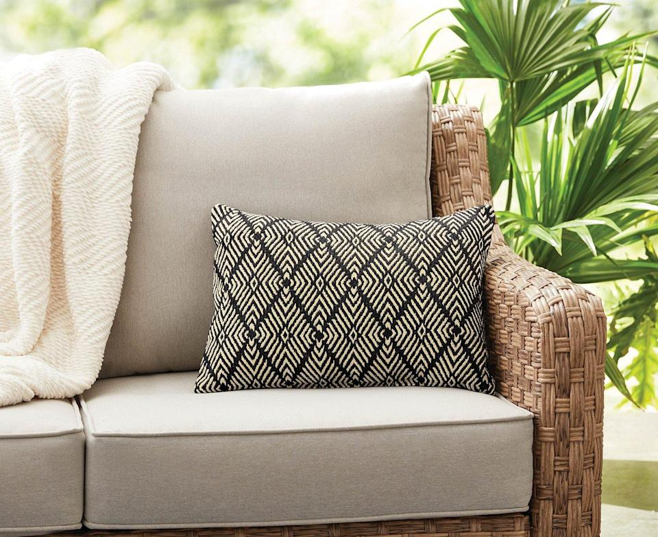 10 Prettiest Outdoor Pillows To Spruce Up Your Patio This Summer