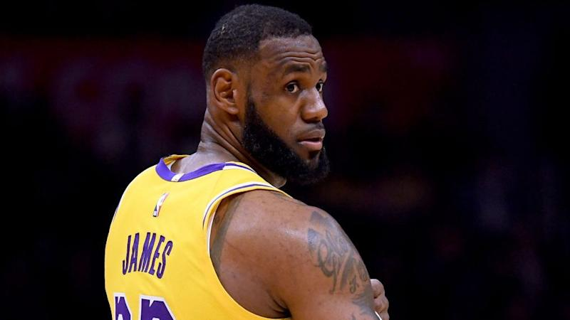 310f38d4a462 Eighty percent of LeBron James is enough to get Lakers critical win against  Clippers