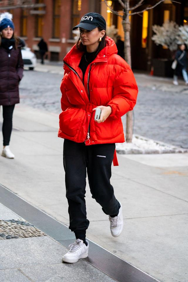 <p><strong>20 January </strong>Emily Ratajkowski stepped out in a bright red puffa jacket in New York. <strong></strong></p>
