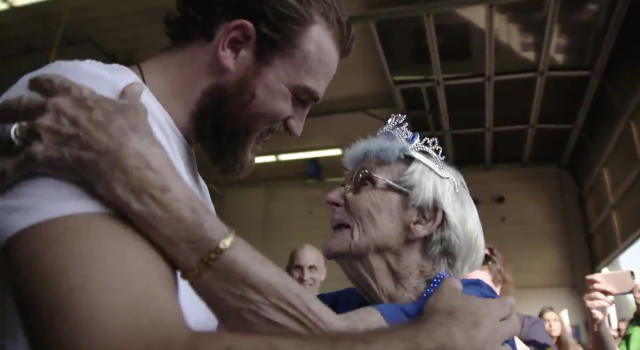 Ryan O'Reilly's touching moment with his 99-year-old grandmother made his day with the Stanley Cup all the more special. (Twitter//@StLouisBlues)