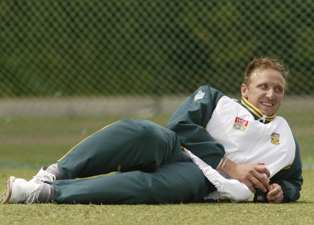 25 Dec 2001:  Allan Donald of South Africa looks, during training at the Melbourne Cricket Ground, Melbourne, Australia. DIGITAL IMAGE. Mandatory Credit: Hamish Blair/Getty Images