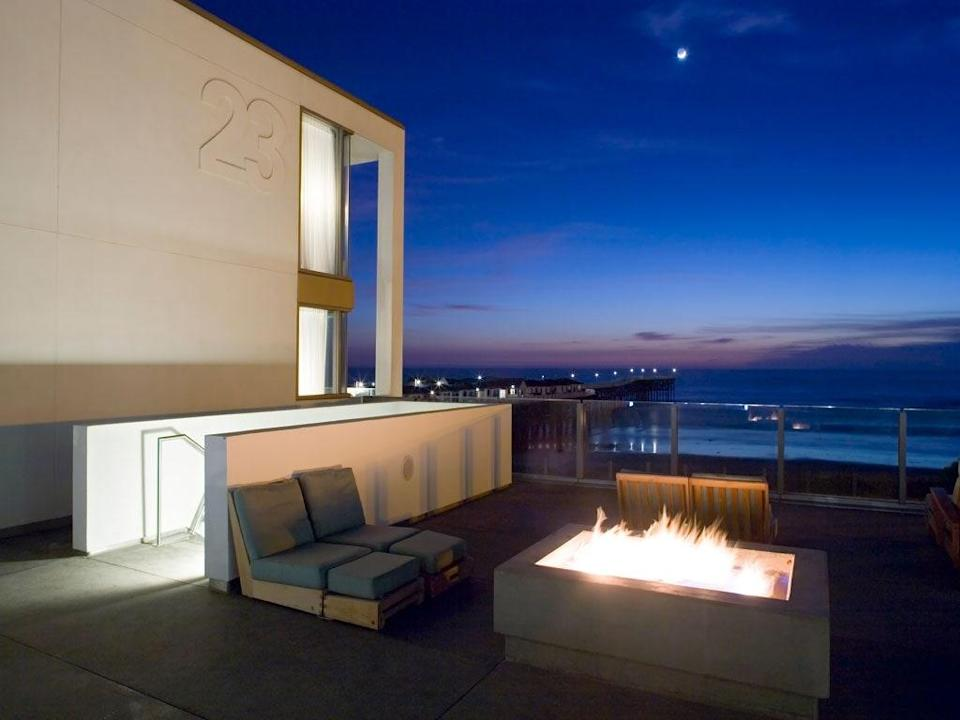 <p><strong>How did it strike you on arrival?</strong><br> Tower23 is a modern boutique hotel in San Diego's youthful Pacific Beach neighborhood. It's a three-story building with large glass windows, a stark white lobby, and rooms that curve around a chic rooftop deck overlooking the ocean.</p> <p><strong>What's the crowd like?</strong><br> Guests are mostly couples and groups of friends in their 20s and 30s. They're not there to rage, but they do enjoy a classy night on the town.</p> <p><strong>On to the big stuff: Tell us about your room.</strong><br> There are 44 rooms and suites, ranging from $229 in the winter to $409 in the summer, and they're all decked out in whites and blues—an aesthetic appropriate for the hotel's oceanfront location. The design is Marie Kondo meets surfer dude: clean, fresh, and clutter-free. Minimalism and California cool. Book a stay in one of the Surf Pad rooms for excellent ocean views and equally excellent people-watching.</p> <p><strong>We're craving some deep, restorative sleep.</strong><br> Good news, and not just because you can drift off to the sounds of the ocean. Beds have Tempur-Pedic memory foam mattresses with down pillow-tops.</p> <p><strong>How about the little things, like mini bar, or shower goodies. Any of that worth a mention?</strong><br> The mini-bars are fully stocked with beer, wine, liquor, sodas, and yerba mate, plus candy bars and savory snacks. If you'd like something to remember the experience by, you can also purchase hotel merchandise like an SPF kit or a visor ($10–$25).</p> <p><strong>Please tell us the bathroom won't let us down.</strong><br> They're functional, simple, and clean. Look for Egyptian cotton bath towels, fuzzy robes, and bath products by H20. The suites have Jacuzzi tubs in addition to the standard shower.</p> <p><strong>Maybe the most important topic of all: Wi-Fi. What's the word?</strong><br> Wi-Fi is free throughout the hotel.</p> <p><strong>Room service: What are we looking at here?</st