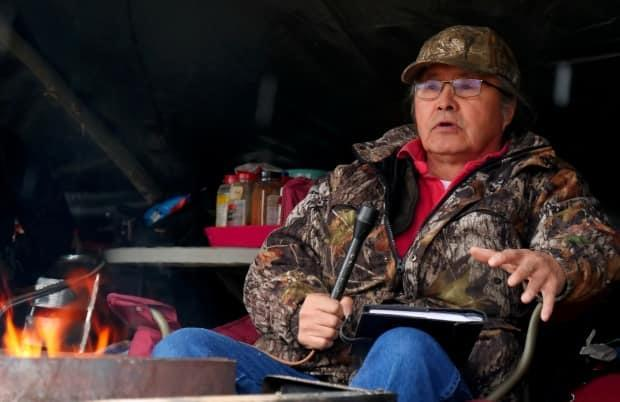 Chief Gerald Antoine of the Liidlii Kue First Nation in Fort Simpson, N.W.T., tells CBC the situation in Fort Simpson on May 17, 2021.