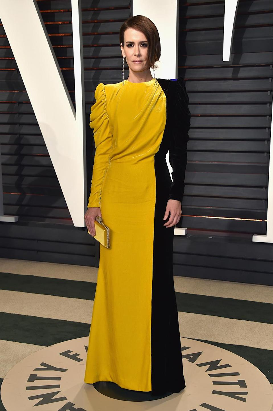 <p>Sarah Paulson attends the 2017 Vanity Fair Oscar Party hosted by Graydon Carter at Wallis Annenberg Center for the Performing Arts on February 26, 2017 in Beverly Hills, California. (Photo by Pascal Le Segretain/Getty Images) </p>
