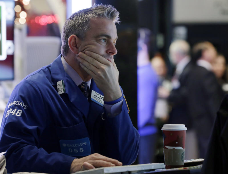 Stocks edge higher as traders return from holiday