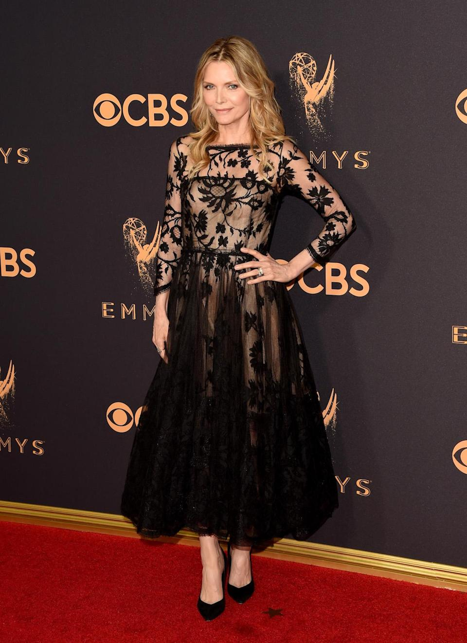 <p>Michelle Pfeiffer attends the 69th Primetime Emmy Awards on Sept. 17, 2017.<br> (Photo: Getty Images) </p>