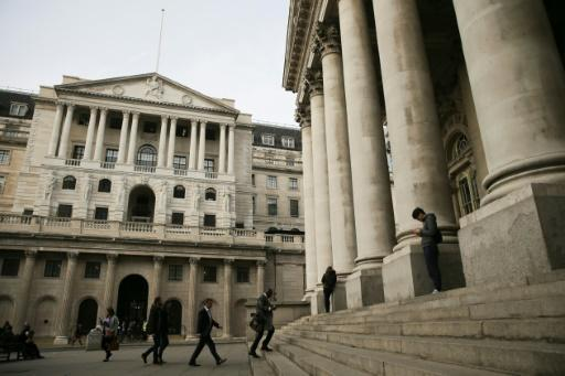 <p>Bank of England rate hike warning spooks markets</p>