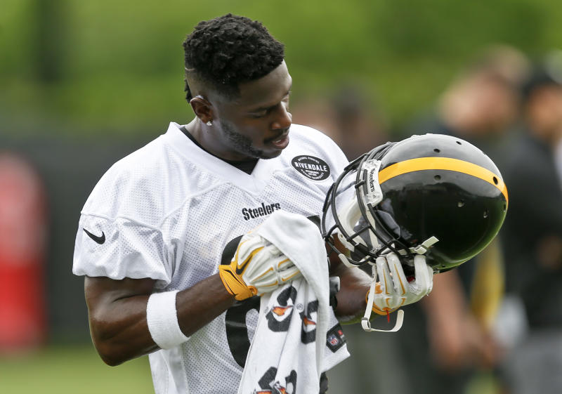 Pittsburgh Steelers wide receiver Antonio Brown had a lot to get off his chest to the local media. (AP)