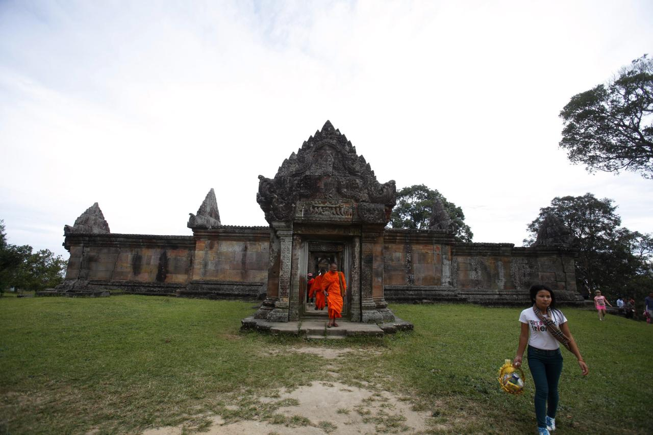 relationship between cambodia and thailand over the temple The violent border clashes between thailand and cambodia earlier this year  have challenged the association of south east asian nations (asean) to  of a  provisional demilitarised zone around the temple and called on.