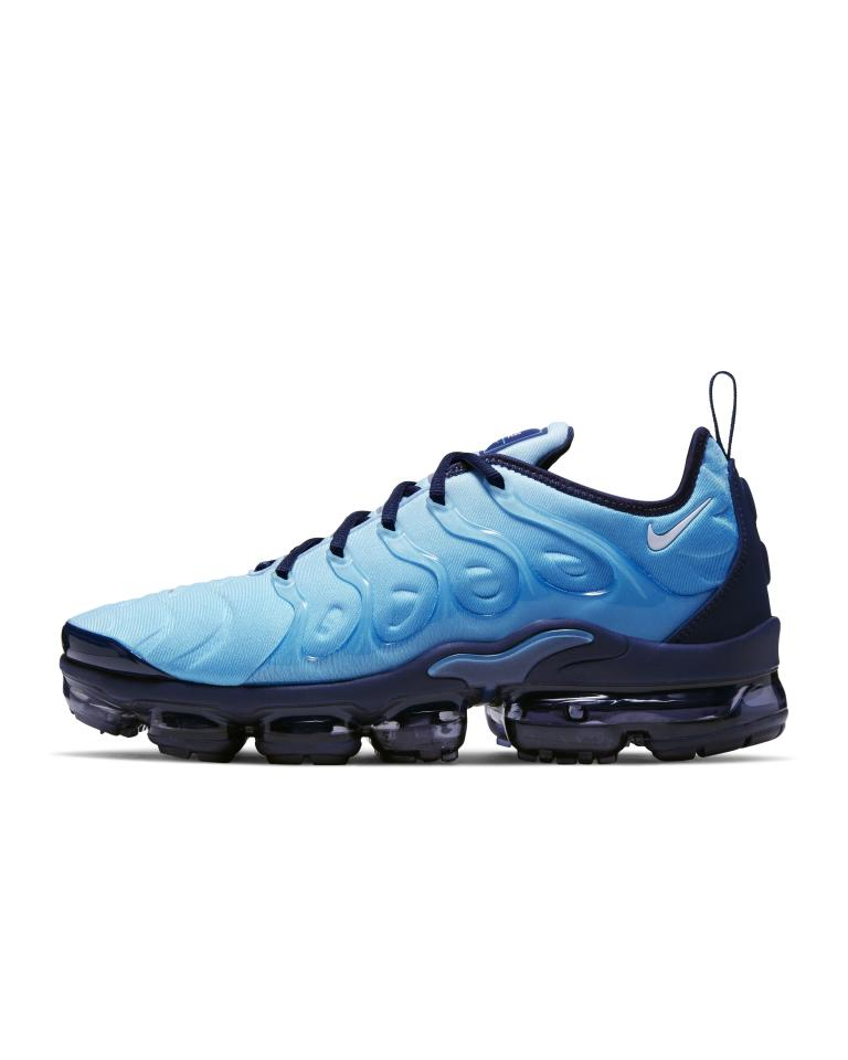 """<p><strong>nike</strong></p><p>nike.com</p><p><a href=""""https://go.redirectingat.com?id=74968X1596630&url=https%3A%2F%2Fwww.nike.com%2Ft%2Fair-vapormax-plus-mens-shoe-w4xgr4&sref=http%3A%2F%2Fwww.menshealth.com%2Fstyle%2Fg30795538%2Fnike-sneaker-sale-mens-deals%2F"""" target=""""_blank"""">BUY IT HERE</a></p><p><del>$190.00</del><strong><br>$142.97</strong></p><p>Made with Air Max Plus technology that dates back to 1998, this pair brings old-school swag a modern flair.</p>"""