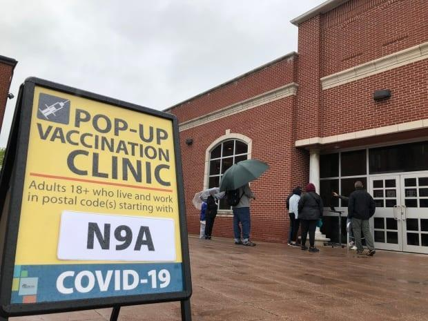 The Windsor-Essex County Health Unit hosted a pop-up vaccination clinic for residents with postal codes starting with N9A on Monday. A second clinic is taking place in Sandwich Towne for N9C residents. (Chris Ensing/CBC - image credit)
