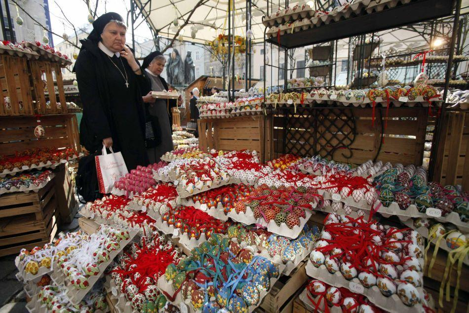 Nuns buy Easter eggs at a market in central Vienna