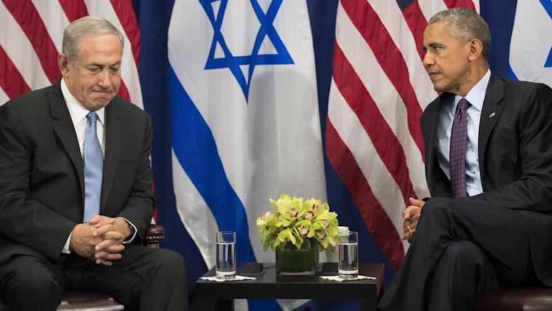 Former President Barack Obama, right, had a famously frosty relationship with Israeli Prime Minister Benjamin Netanyahu, but he never leveraged U.S. aid to force Israeli concessions. (Photo: BFMTV)