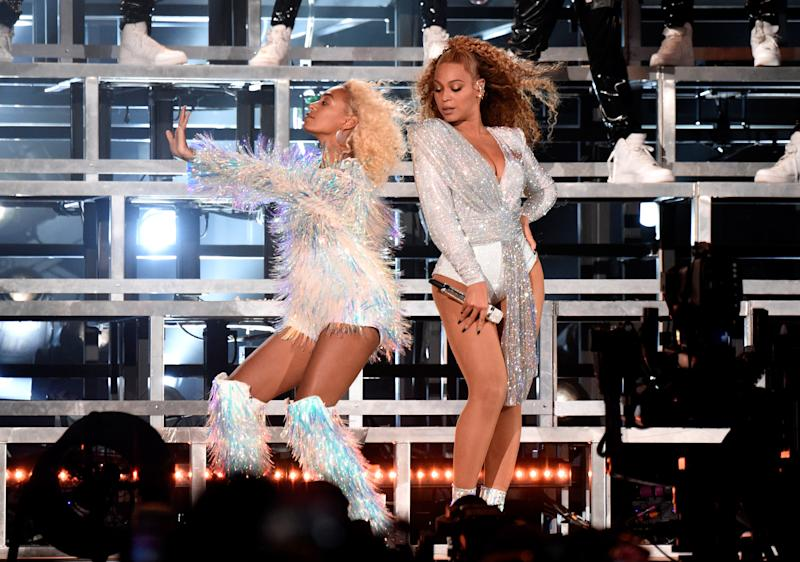 Beyoncé and Solange Knowles Fell on the Coachella Stage