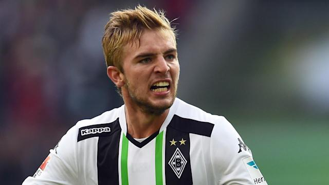 Surprise Bundesliga leaders Borussia Monchengladbach have tied down midfielder Christoph Kramer to a new long-term deal.