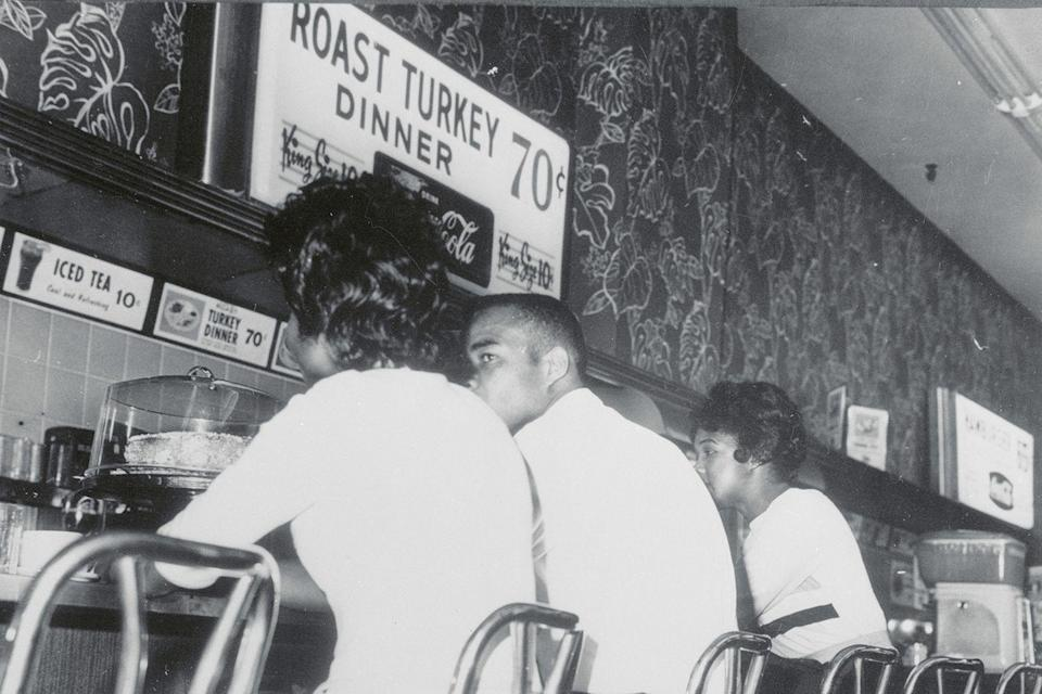 <p>Restaurant prices from the '60s and '70s make today's offerings seem outrageous. A roast turkey dinner, complete with sides, only cost diners 70 cents back in 1963.</p>