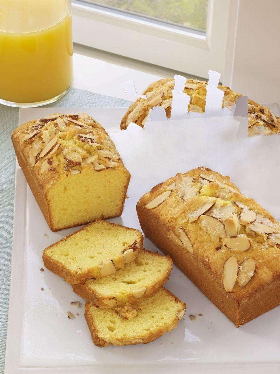 """<p>This olive oil cake can be stored at room temp for up to three days — but it's so tasty it'll never last that long. </p><p><strong><em>Get the recipe at <a href=""""https://www.delish.com/cooking/recipe-ideas/recipes/a36502/mini-olive-oil-almond-cakes-recipe-wdy0415/"""" rel=""""nofollow noopener"""" target=""""_blank"""" data-ylk=""""slk:Delish"""" class=""""link rapid-noclick-resp"""">Delish</a>. </em></strong></p>"""
