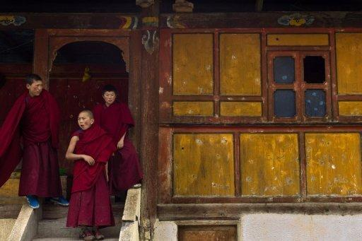 File photo showing monks at a monastery in China's Sichuan province. US Secretary of State Hillary Clinton voiced alarm over Beijing's treatment of Tibetans and a blind rights activist as tensions between the superpowers threatened to intrude on Pacific Rim talks