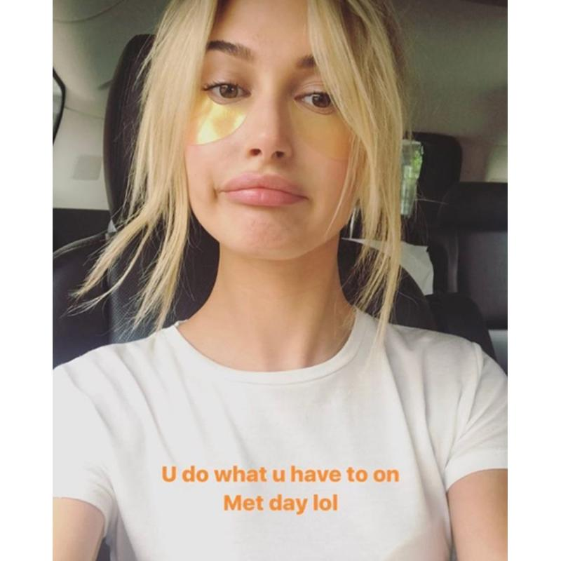 """<h4>@haileybaldwin</h4>                                                                                                         <p>     <strong>Related Articles</strong>     <ul>         <li><a rel=""""nofollow"""" href=""""http://thezoereport.com/fashion/style-tips/box-of-style-ways-to-wear-cape-trend/?utm_source=yahoo&utm_medium=syndication"""">The Key Styling Piece Your Wardrobe Needs</a></li><li><a rel=""""nofollow"""" href=""""http://thezoereport.com/entertainment/celebrities/how-much-kim-kardashian-makes-instagram/?utm_source=yahoo&utm_medium=syndication"""">THIS Is How Much Selena Gomez And Kim Kardashian Make On Insta</a></li><li><a rel=""""nofollow"""" href=""""http://thezoereport.com/entertainment/culture/jill-soloway-i-love-dick-interview/?utm_source=yahoo&utm_medium=syndication"""">This May Be The Most Relatable Show Ever, Here's Why</a></li>    </ul> </p>"""