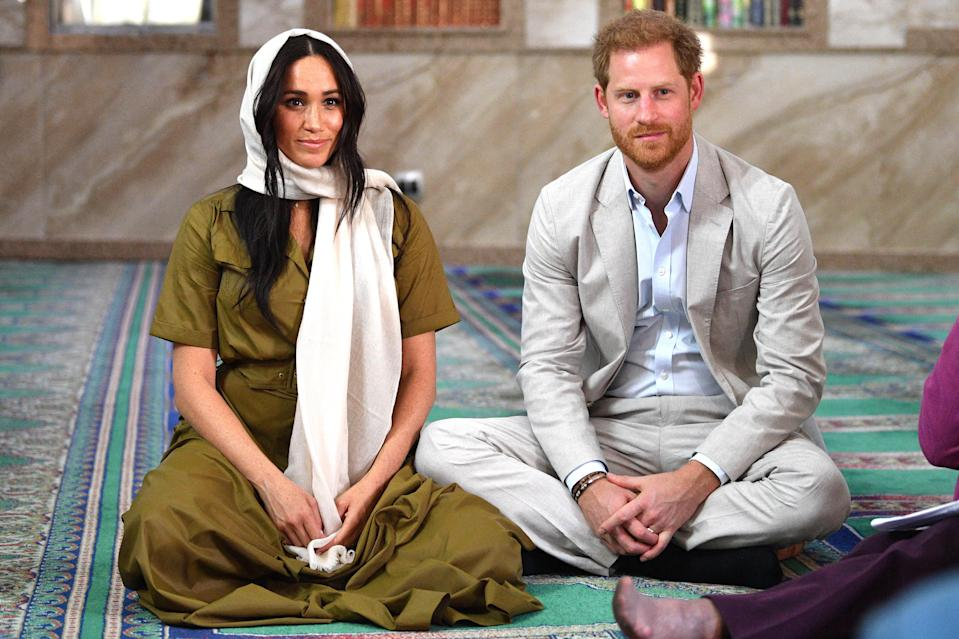 CAPE TOWN, SOUTH AFRICA - SEPTEMBER 24: Meghan, Duchess of Sussex visits Auwal Mosque on Heritage Day with Prince Harry, Duke of Sussex during their royal tour of South Africa on September 24, 2019 in Cape Town, South Africa. Auwal Mosque is the first and oldest mosque in South Africa and for the Muslim community, this mosque symbolises the freedom of former slaves to worship. (Photo by Tim Rooke - Pool/Getty Images)