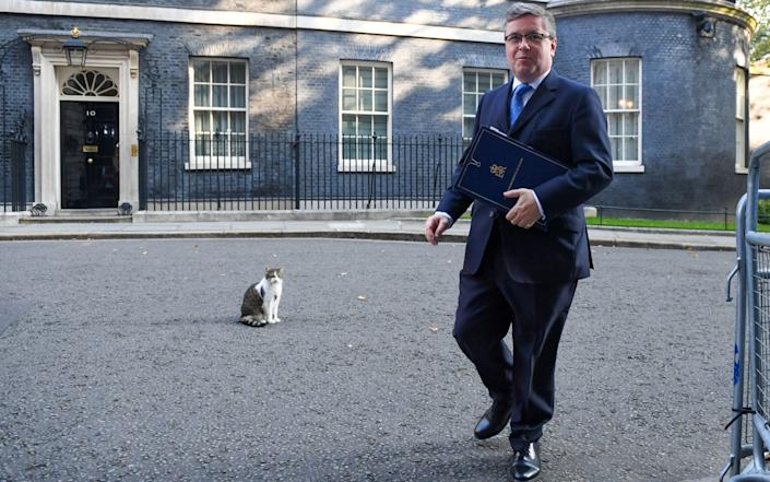 Robert Buckland and Larry the Cat - Bloomberg
