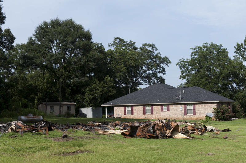 Sheena and Cory's mobile home burned down after the shooting. (Melissa Jeltsen/HuffPost)