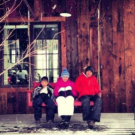 Kelly Ripa and family in snowy winter throwback