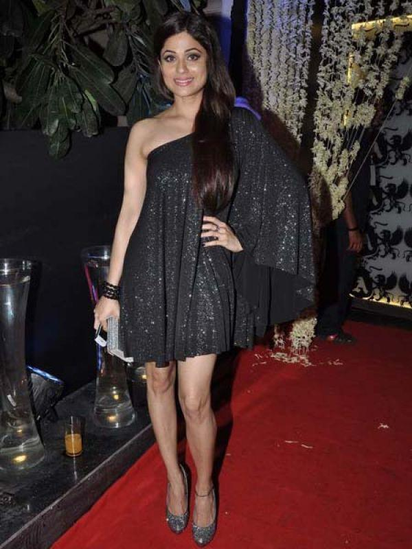 <p><strong>Shamita Shetty</strong>: The actress looked radiant in a blingy one-shoulder black dress.</p>