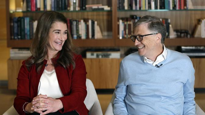 Bill Gates dan Melinda pada 2019. (AP Photo/Elaine Thompson, File)
