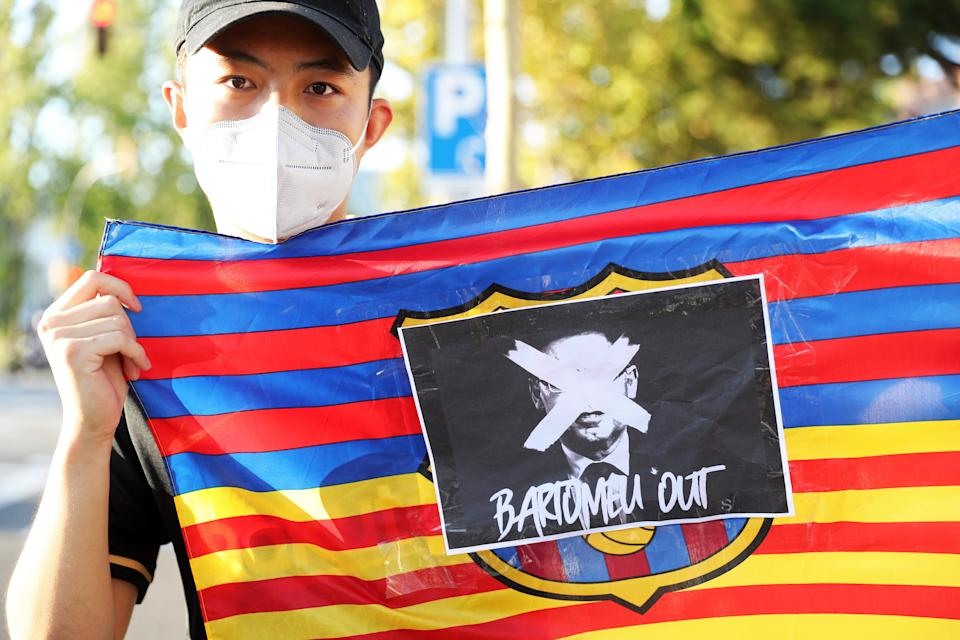 Demonstration in front of the FC Barcelona offices, calling for the resignation of the former club's president, Josep Maria Bartomeu, on 26th August 2020.