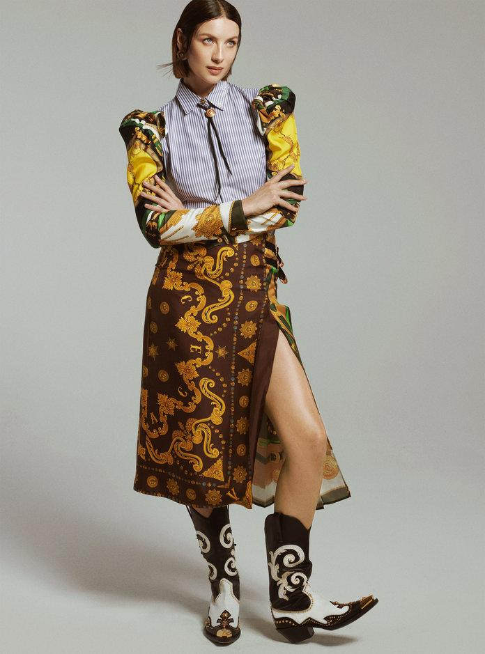 <p>All clothing and accessories, Versace. Photo by Philip Gay/2DM</p>