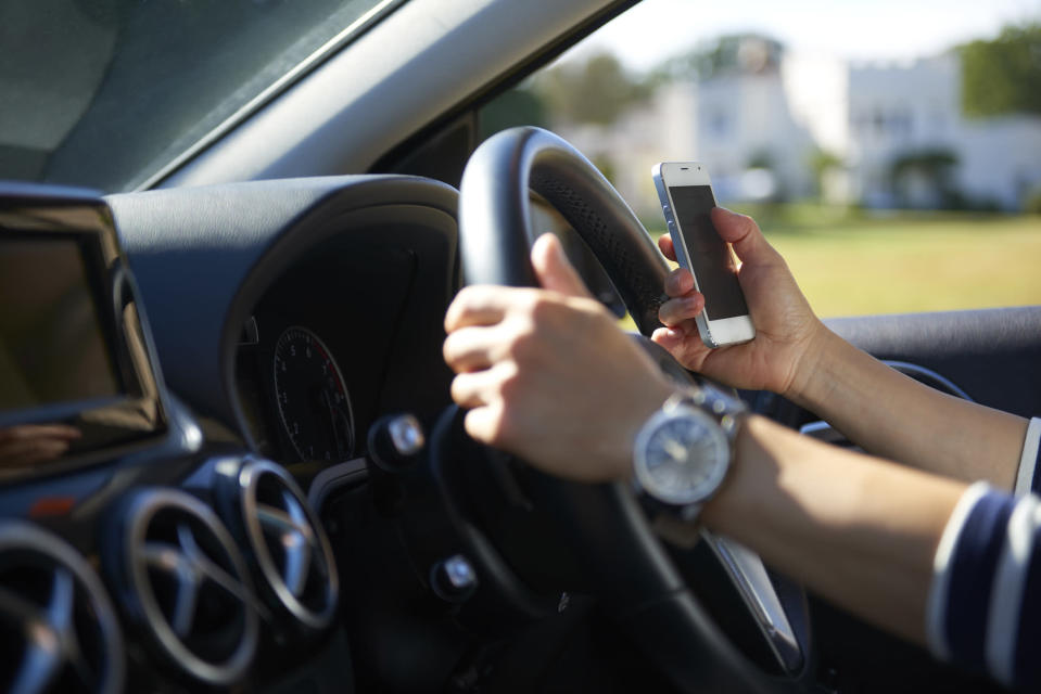 Drivers using smartphones are wreaking havoc on highways. (Photo: Getty Images)