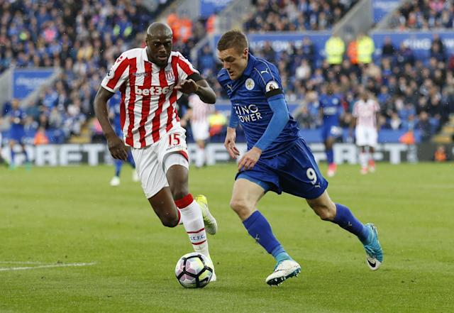 <p>Leicester City's Jamie Vardy in action with Stoke City's Bruno Martins Indi </p>