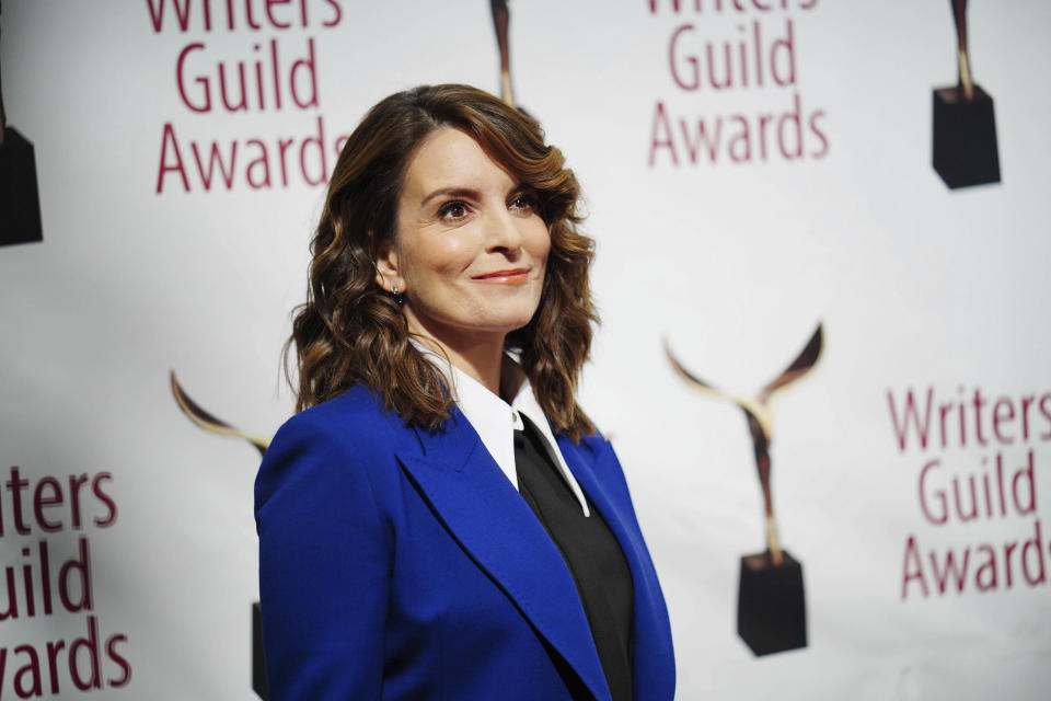 Photo by: John Nacion/STAR MAX/IPx 2020 2/1/20 Tina Fey at the 72nd Writers Guild Awards in New York City.