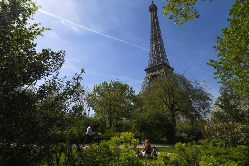 How Green Is Your City? In Paris, the Answer Is Not Green Enough