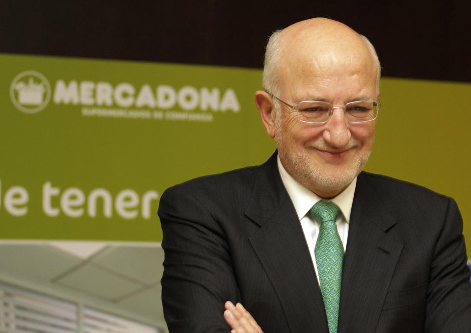 Juan Roig, CEO of the Mercadona supermarket chain, poses during a meeting with the media in Valencia March 5, 2015. Mercadona, the leader in the retail industry in Spain on Thursday announced an improvement in net profit in 2014 by 5 percent to 543 million euros, although it showed a slight decrease in sales in comparable space. REUTERS/Heino Kalis (SPAIN - Tags: BUSINESS)