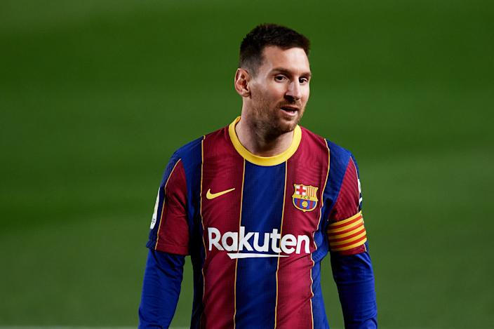 Lionel Messi and Barcelona intend to sue El Mundo over his contract details leaking. (Alex Caparros/Getty Images)