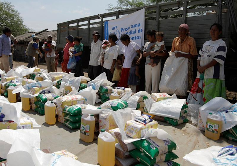 (Photo: distribution de nourriture par la PAM au Paraguay en 2012 par REUTERS/Jorge Adorno) (Photo: Jorge Adorno / Reuters)