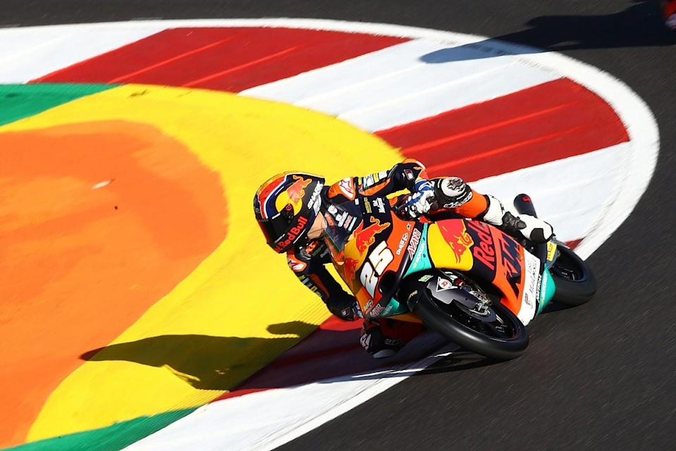 Moto3: Arenas takes title in dramatic finale, Fernandez wins