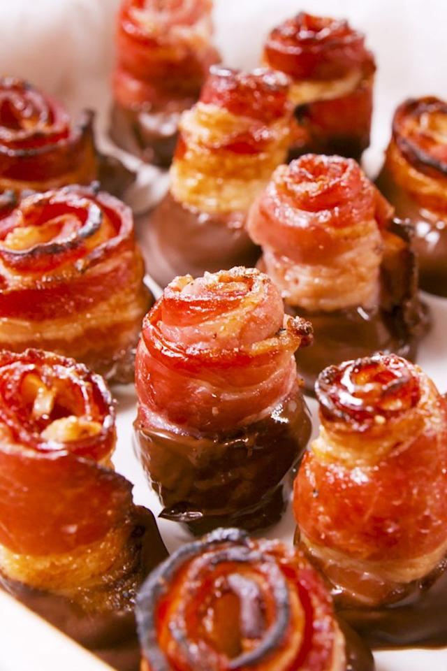 """<p>It's the best gift.</p><p>Get the recipe from <a href=""""https://www.delish.com/cooking/recipe-ideas/a21347072/bacon-chocolate-roses-recipe/"""" target=""""_blank"""">Delish.</a></p><p><a class=""""body-btn-link"""" href=""""https://www.amazon.com/Heavy-Stainless-Baking-Cooling-inches/dp/B017MWU59Y?tag=syn-yahoo-20&ascsubtag=%5Bartid%7C1782.g.2020%5Bsrc%7Cyahoo-us"""" target=""""_blank"""">BUY NOW</a> <strong><em>Stainless Steel Cooling Rack, $14, amazon.com</em></strong><br></p>"""