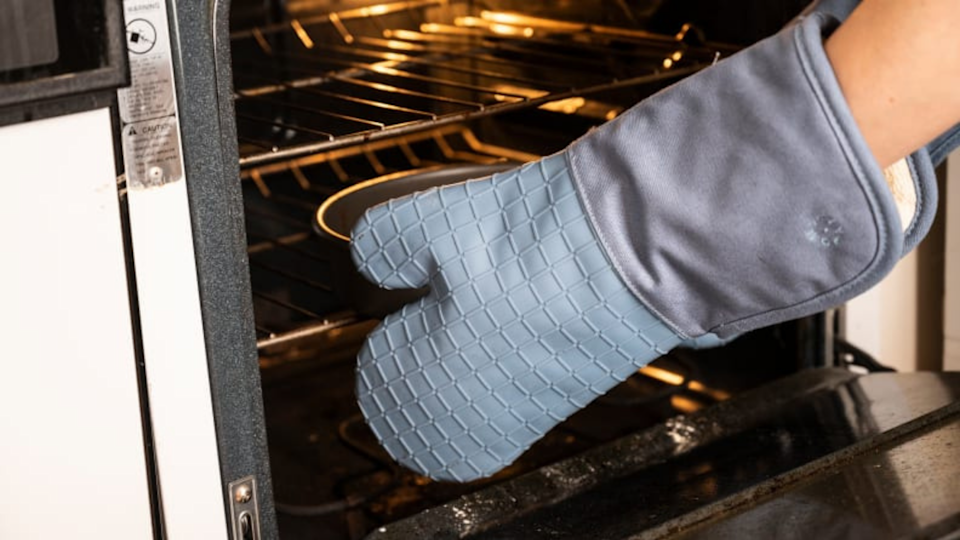 Gifts for bakers: Food52 Five Two Silicone Oven Mitts