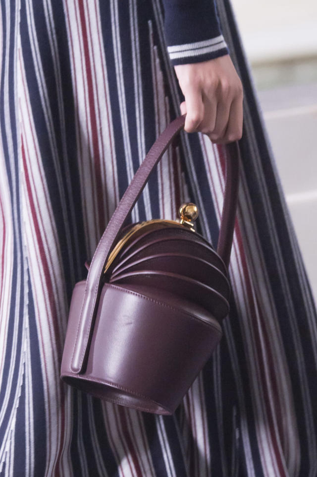 <p><i>Purple leather kiss-lock handbag from the SS18 collection. (Photo: ImaxTree) </i></p>