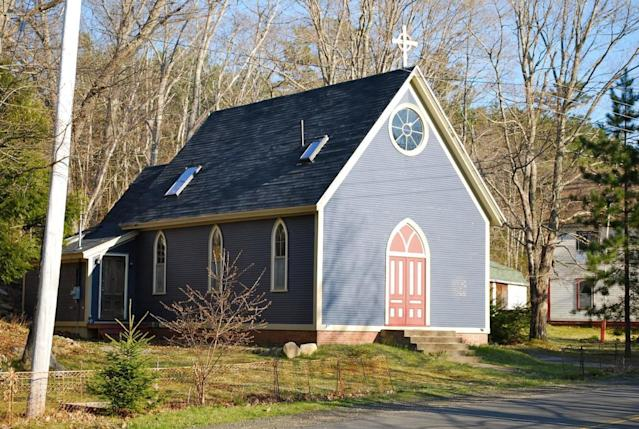 <p>Another option is this quaint church in Annapolis Royal, N.S. This converted home is ideal for travellers looking to escape the city for small town life on the East Coast. </p>