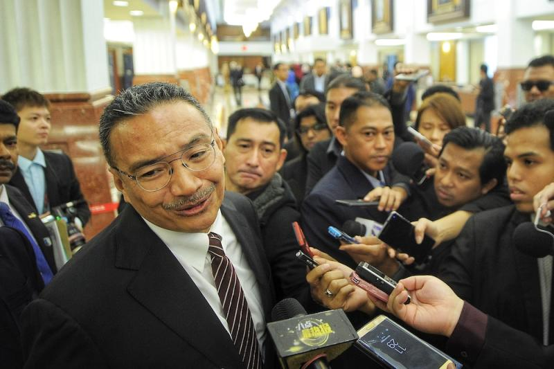 Datuk Seri Hishammuddin Hussein noted the amicable approach government leaders here in comparison to the belligerent attitude towards Malaysia from the Singapore Cabinet over the maritime and airspace disputes. — Picture by Shafwan Zaidon