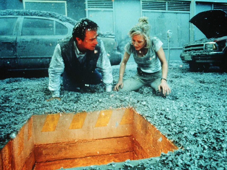 Tommy Lee Jones and Anne Heche in VolcanoRex Features